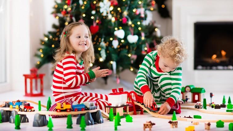 Fejlesztő játékok gyerekeknek – Ajándékötletek kicsiknek és nagyobbaknak