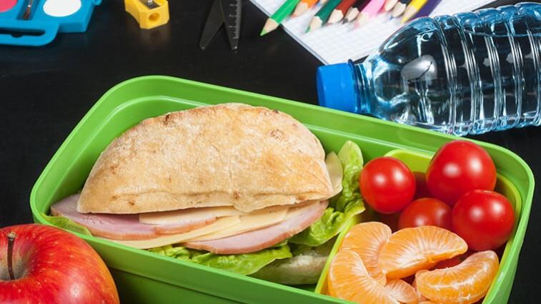 Csomagoljon egészséges tízórait és ebédet az iskolába