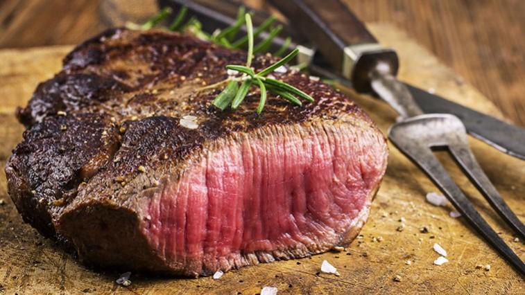 Az ízletes steak elkészítése művészet. Ön is megtanulhatja!