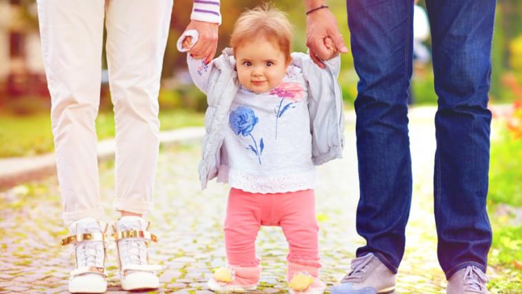 Mikor kezd el járni a kisgyermekem?