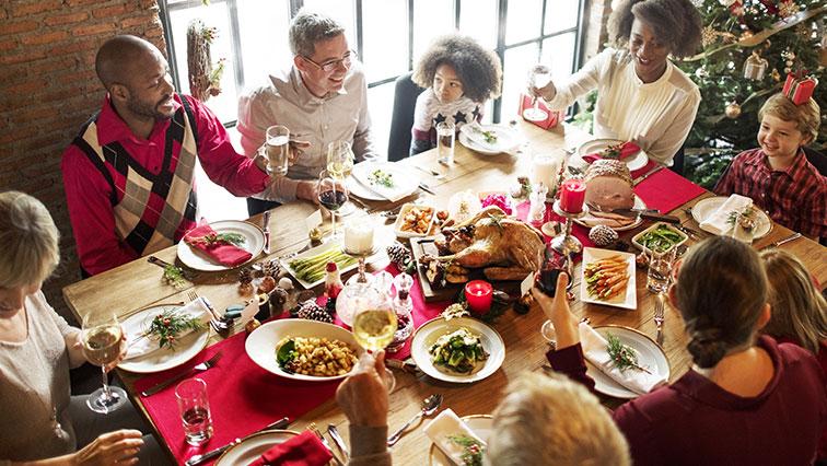 A hagyományos karácsonyi ételek között megtalálható a hal és a fastfood is