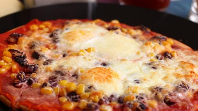 Pizza paradicsomlével