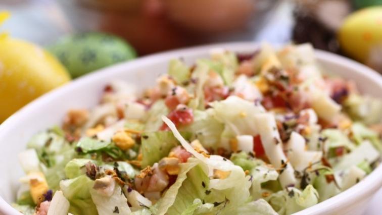 Tojásos friss saláta